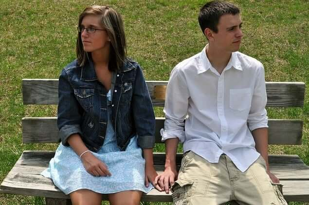 couple-meeting