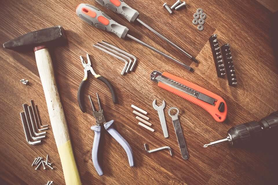 tools, hammer, quiz